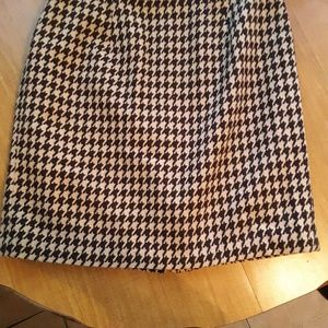 Talbots 16WP houndstooth skirt